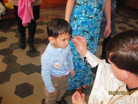 02.28.2010г Дети в храме. крещение Паши