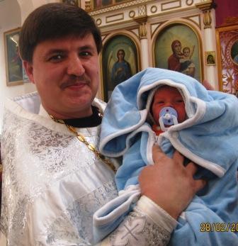 02.28.2010г Дети в храме. Федя